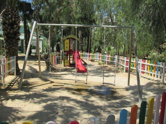 Marhaba Palace Hotel : Childrens play area
