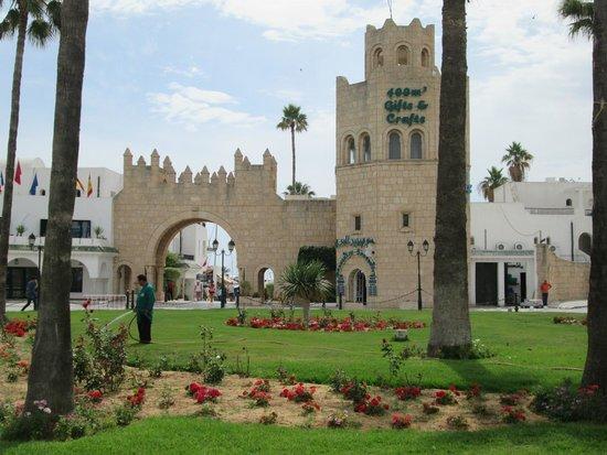 Marhaba Palace Hotel: Entrance to the Port, 5 min walk away from hotel