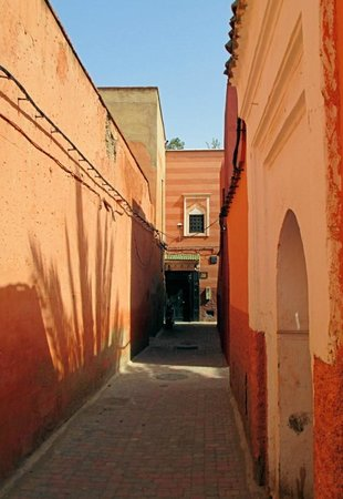 Riad Nasreen door at the end of the narrow street