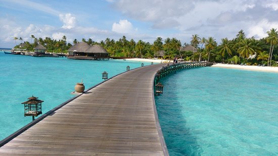 Constance Halaveli: Path from water villas