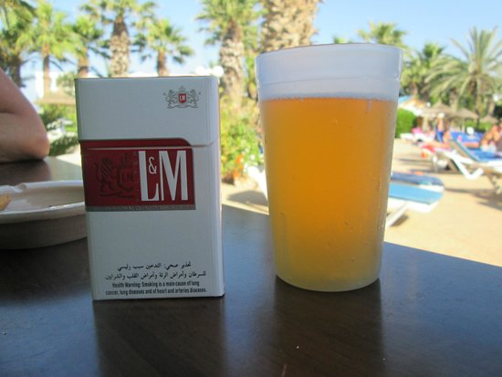 Marhaba Palace Hotel: pool bar drink,plastic cup