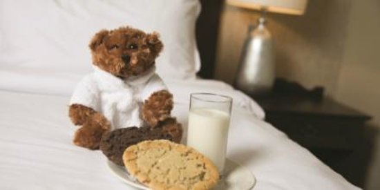 Aztec Hotel & Spa Bristol: Milk and cookies delivered to children's doors at bedtime