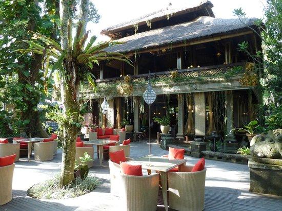 Arma Museum & Resort : Breakfast/Thai restaurant