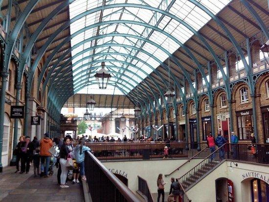 Covent Garden : The main market area