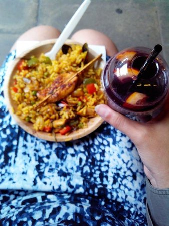Covent Garden : Yummy paella n chicken with sangria.. 10.5£