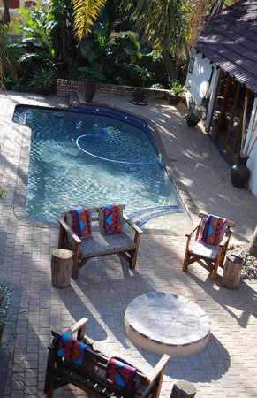 Journey's Inn Africa: Swimming Pool and Boma