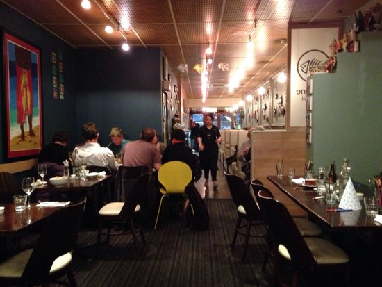 Fishbone Bar & Grill : Restaurant dining area