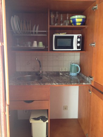 Kitchenette In Kast In Woonkamer Picture Of Hostal De La