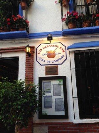 Los Geraneos: Familje Restaurang