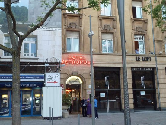 Hotel Metropole: front of hotel