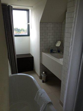Hotel du Vin Exeter: Bathroom in the eves