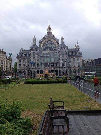 Central Station: Vista frontal
