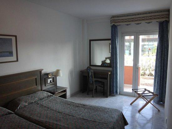 Compostela Beach Golf Club : спальня