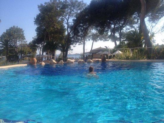 Hipotels Eurotel Punta Rotja & Spa: In one of several swimming pools / в одном из бассейнов