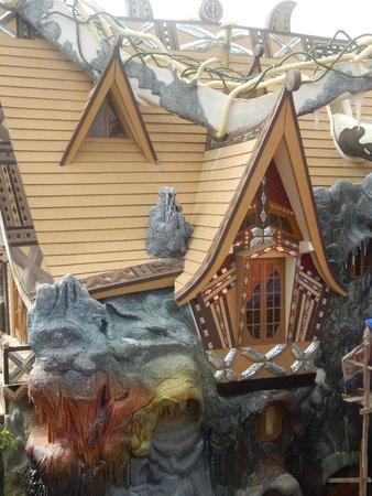 Crazy House: Один из домиков