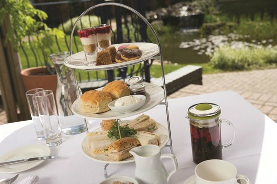 The Restaurant and Bar: Afternoon Tea