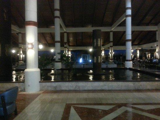 Grand Palladium Bavaro Suites Resort & Spa: Lobby Area