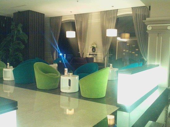 M-Regency Makassar: lobby