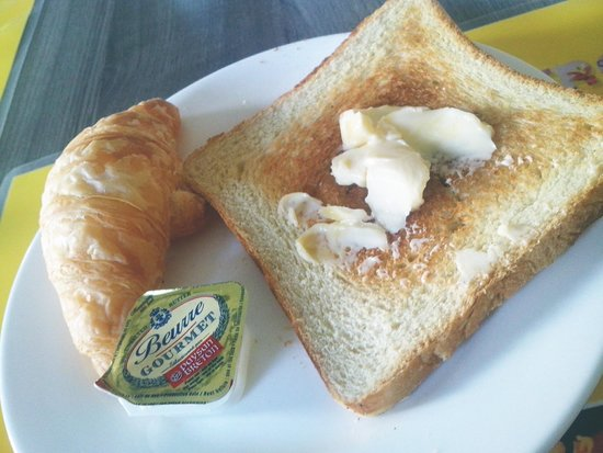 M-Regency Makassar: breakfast with quality butter