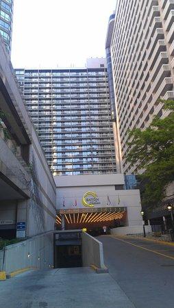 Chelsea Hotel, Toronto: Entrée par Bay Street