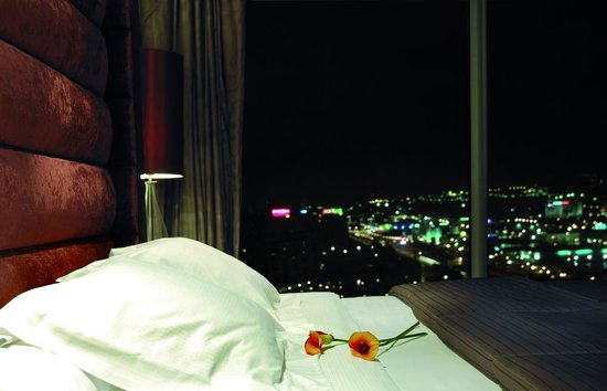 NH Collection Barcelona Tower : Suite