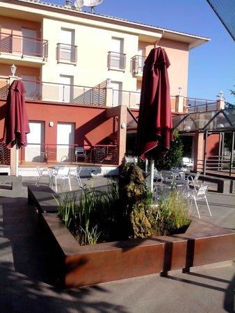 Hotel La Perla: terrasse exterieur