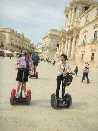 CSTRents - Siracusa Segway PT Authorized Tour: Talking to the guide