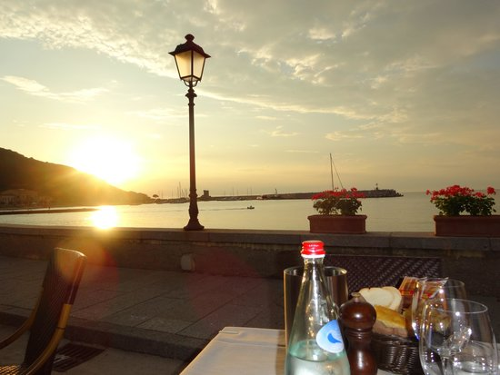 Rendez-Vous da Marcello Ristorante: Sunset on our first night