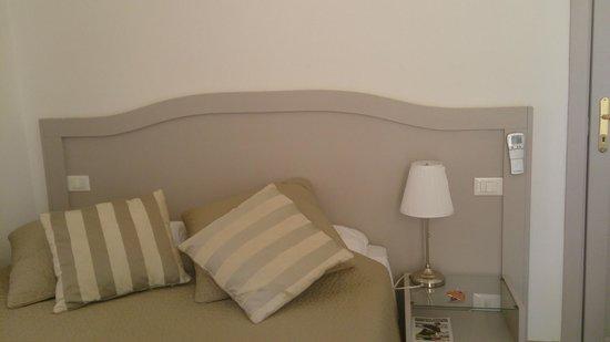 Biancoreroma B&B: room