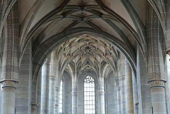 Romantik Hotel Der Adelshof: gebenüber diese Kirche