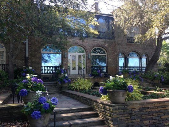 Bellingrath Gardens and Home: back of the house
