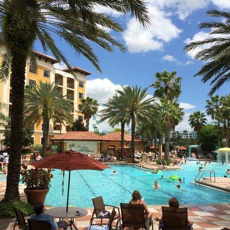 Floridays Resort: Vista geral da área de lazer.