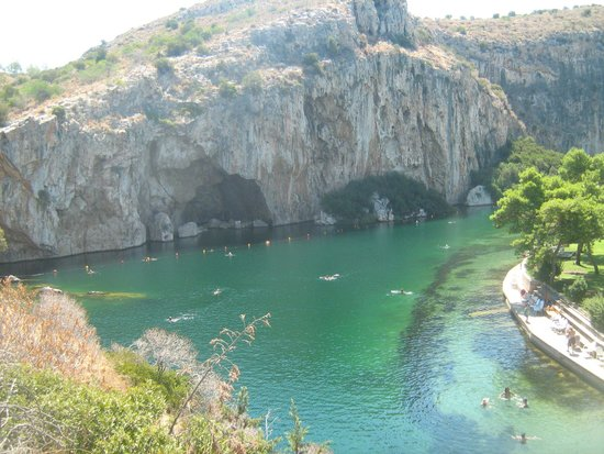 how to go to vouliagmeni from athens