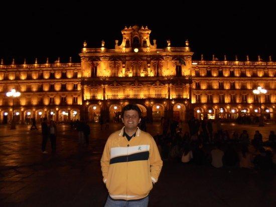 Salamanca's Plaza Mayor: Plaza Mayor a noite
