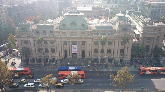 Mercure Santiago Centro: Vista do quarto - Biblioteca Nacional