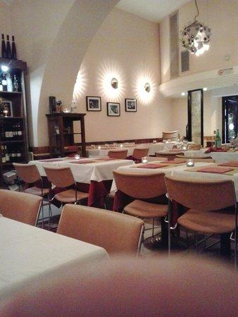 I tavoli con le candeline foto di ornelli ristorante caff roma tripadvisor - Ristorante con tavoli all aperto roma ...