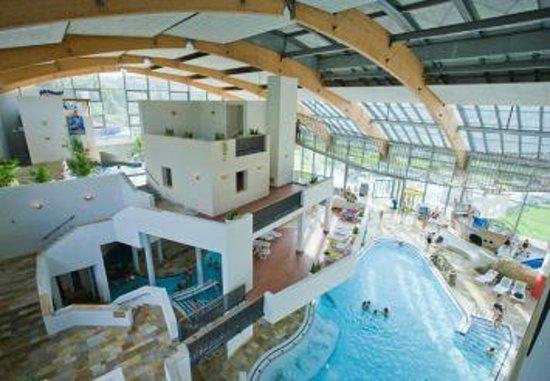 Petite vue plongante photo de erlebnisbad calypso for Calypso piscine romans