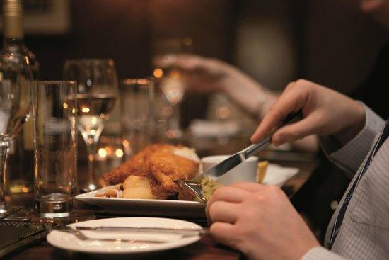 Toll House Inn: Dining