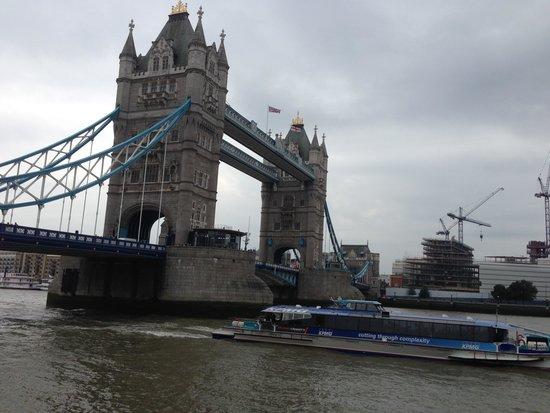 Tower Bridge: Beautiful sight