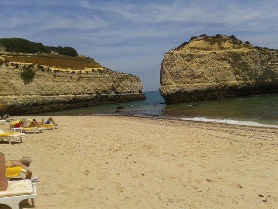 Pestana Viking: praia da cova redonda acessivel a pé