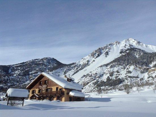 Gîte Les Mélézets : Notre maison d'hôte en hiver...