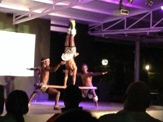 Hotel Club Bahamas Ibiza : African Acrobats