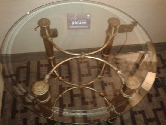 Sheraton Roma Hotel & Conference Center: Table