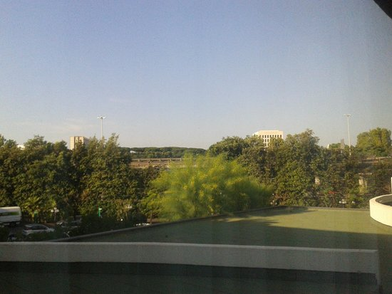 Sheraton Roma Hotel & Conference Center : View from the room