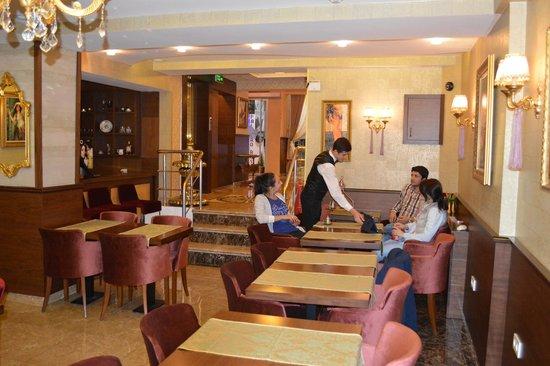 Elysion Hotel : Ресторан