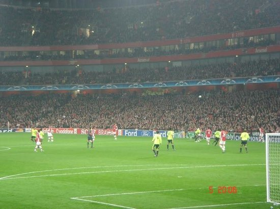 Emirates Stadium: a premier leagur match