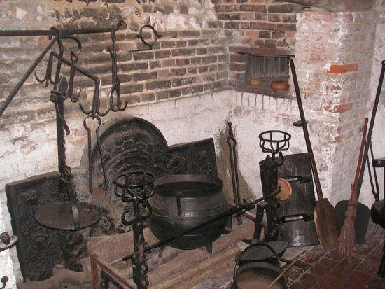 Anne of Cleves House: Kitchen