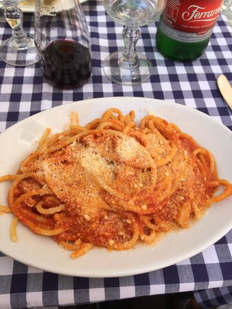Ristorante Roma Sparita: Very good bucatini amatriciana. Saucy with bits of guanciale. Not as spicy as I would have prefe