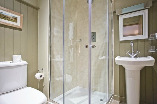 Lister Arms: Bathrooms