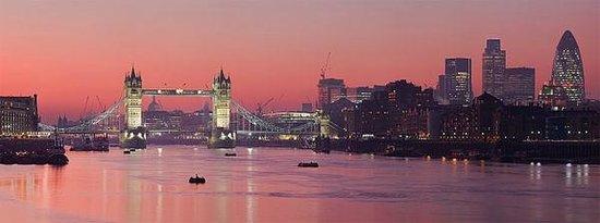 Tower Bridge: Nice sunset view